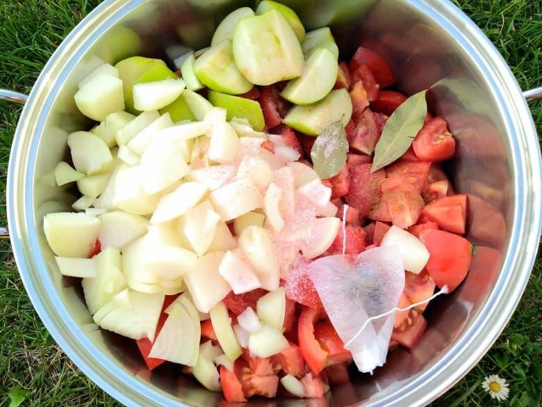 Domácí kečup (recept) - využijte nadbytečné rajčata